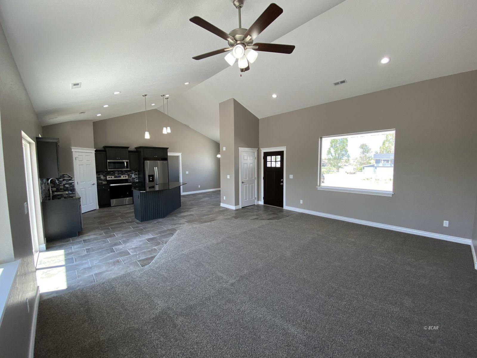 975 Eisenhower Avenue Property Photo 3