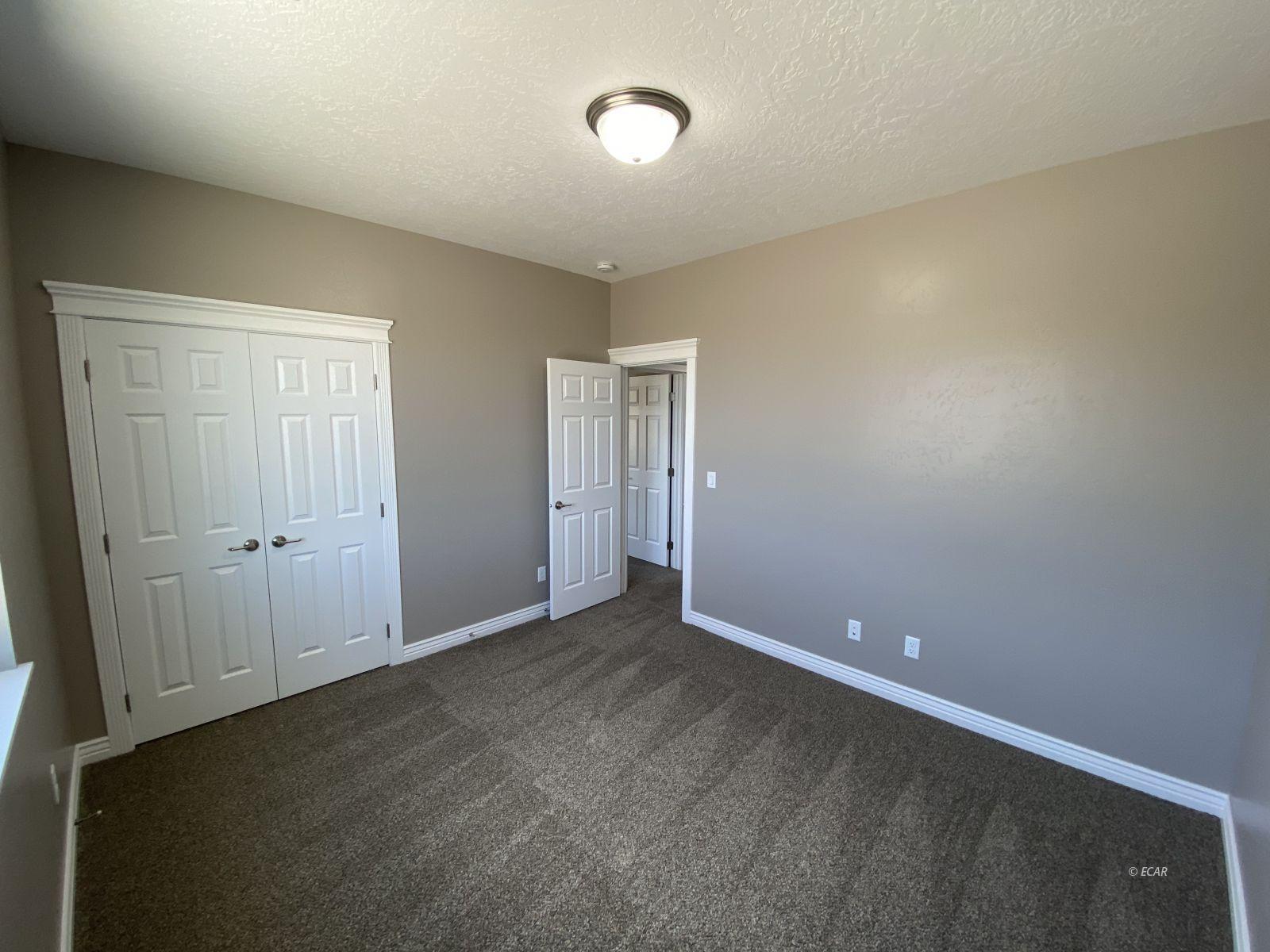 975 Eisenhower Avenue Property Photo 26