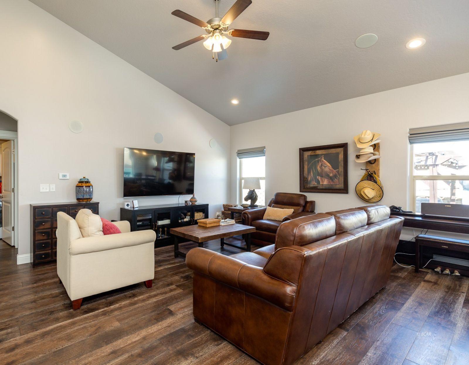 3646 Snowy River Street Property Photo 2