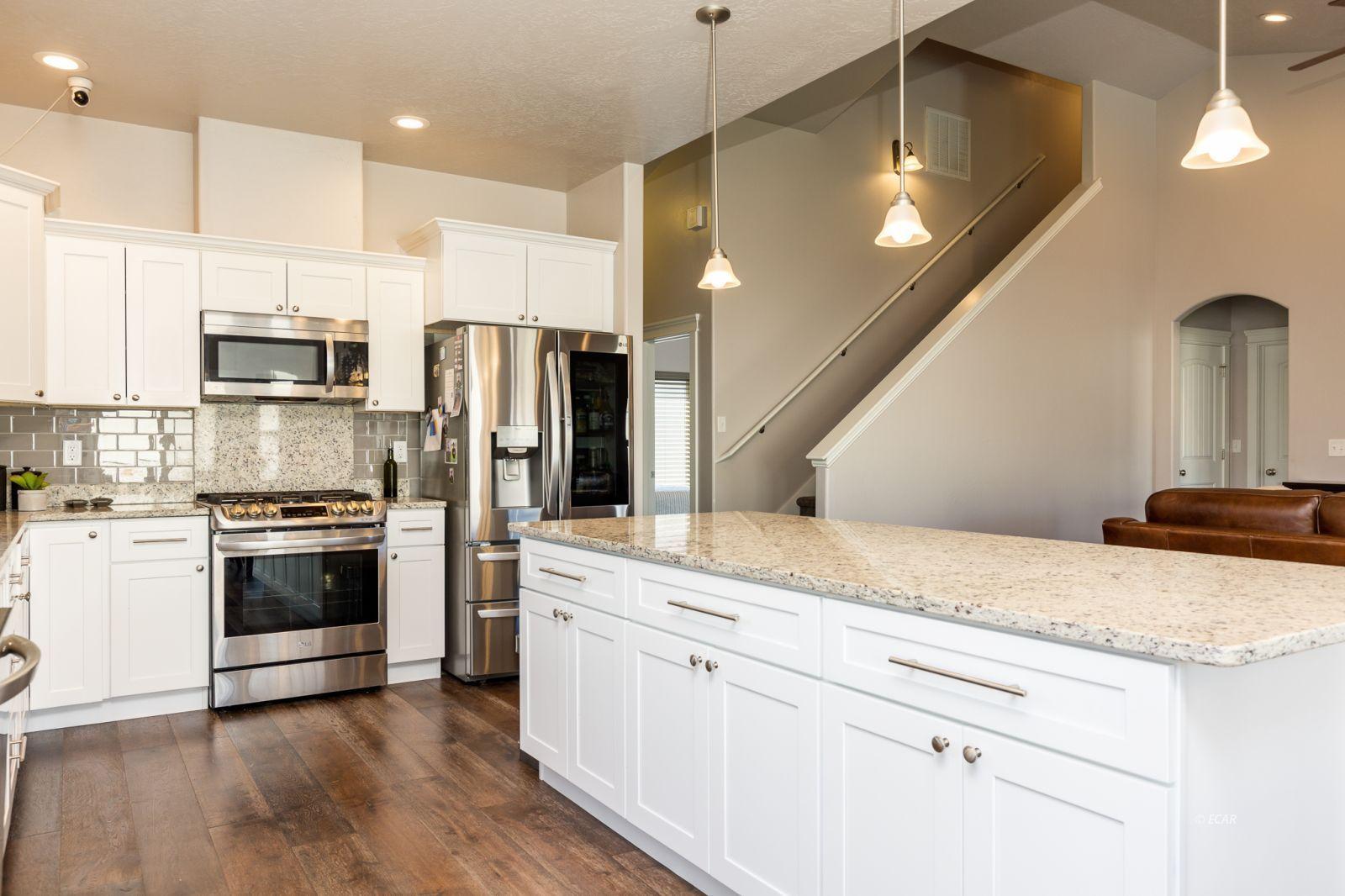 3646 Snowy River Street Property Photo 6