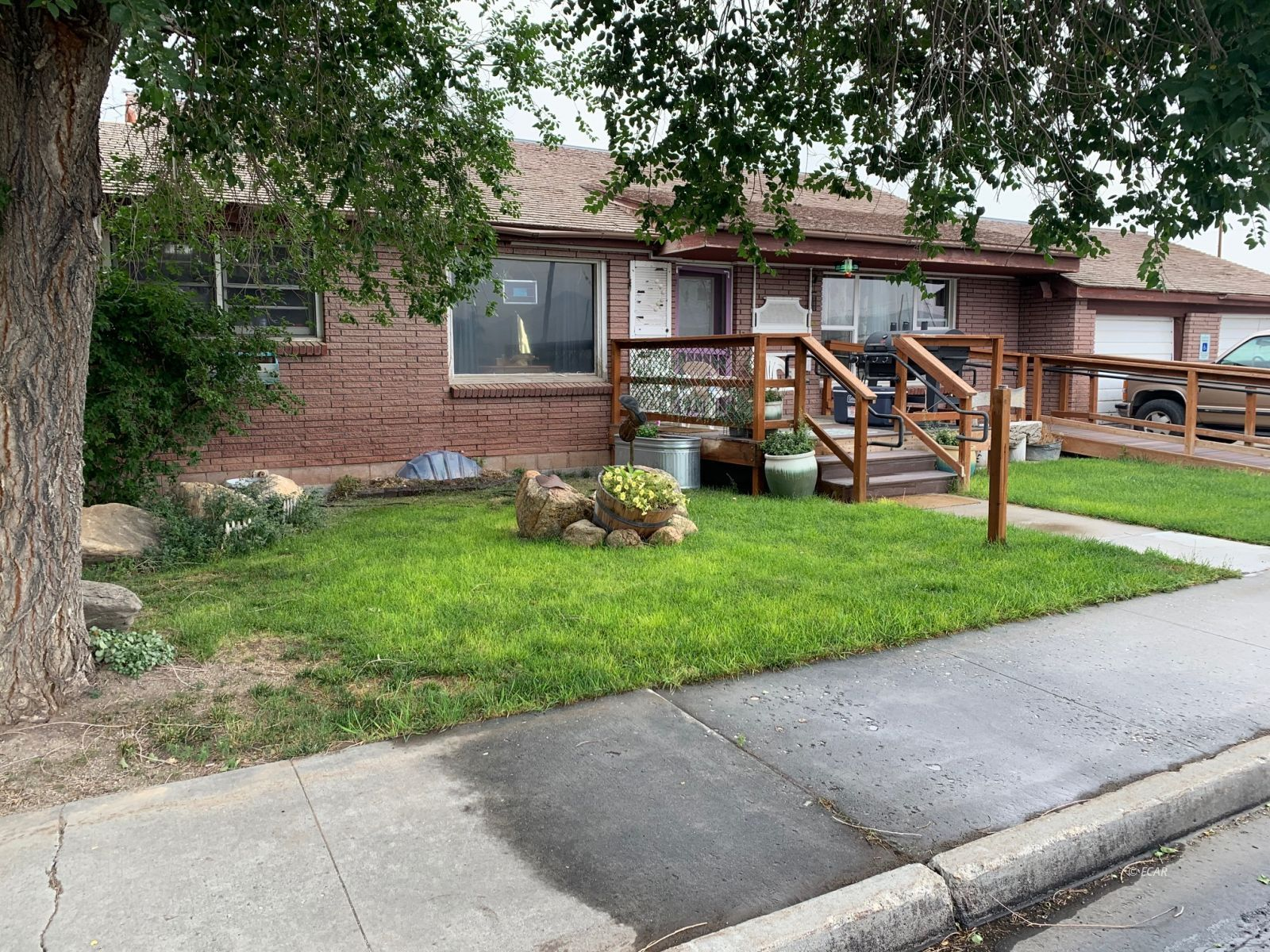 176 6th Street Property Photo 1