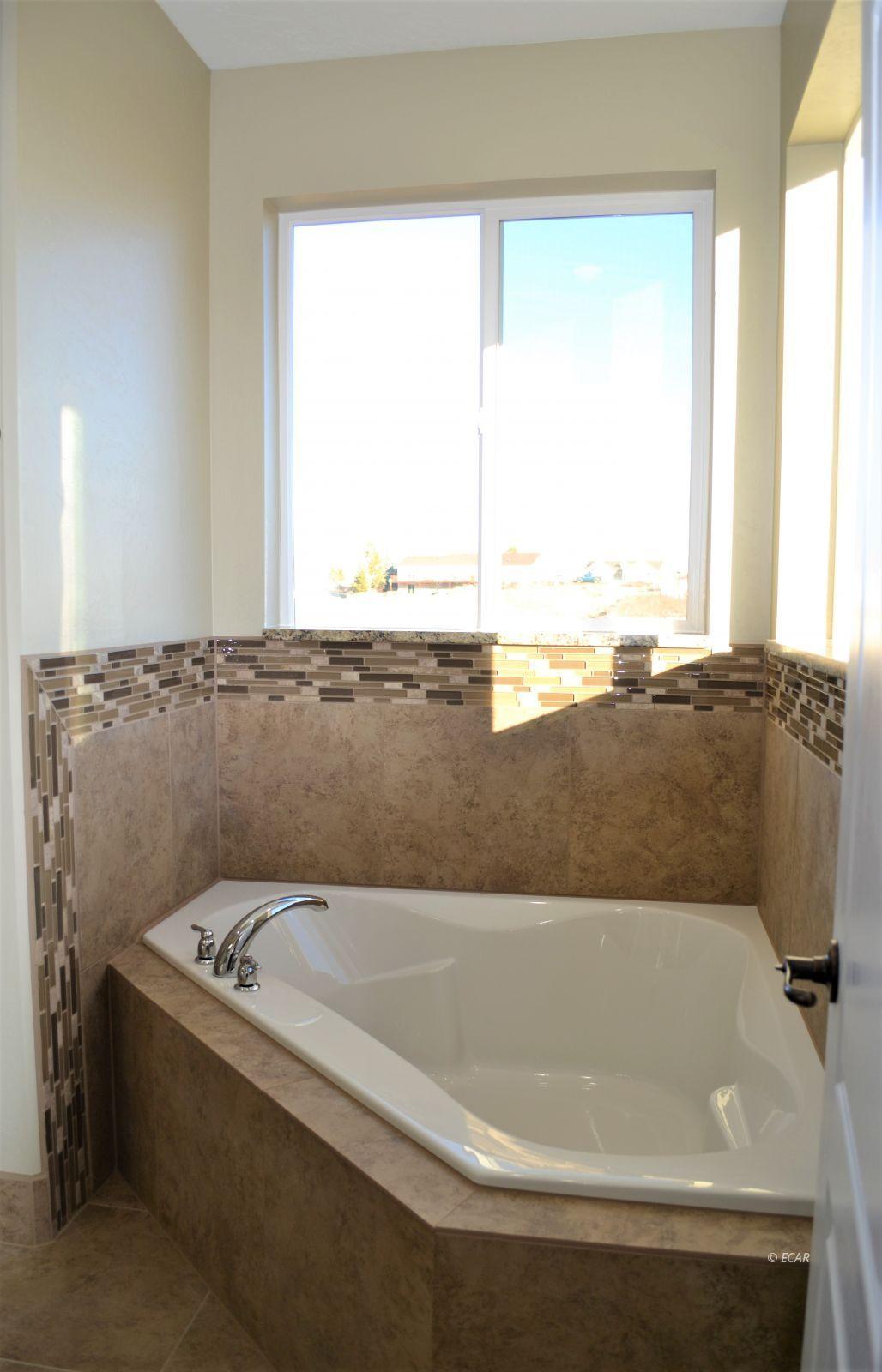 1014 Amber Way Property Photo 26