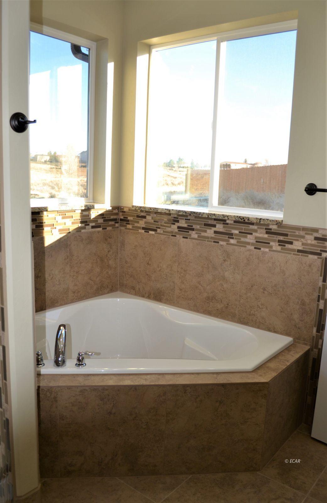 1014 Amber Way Property Photo 29