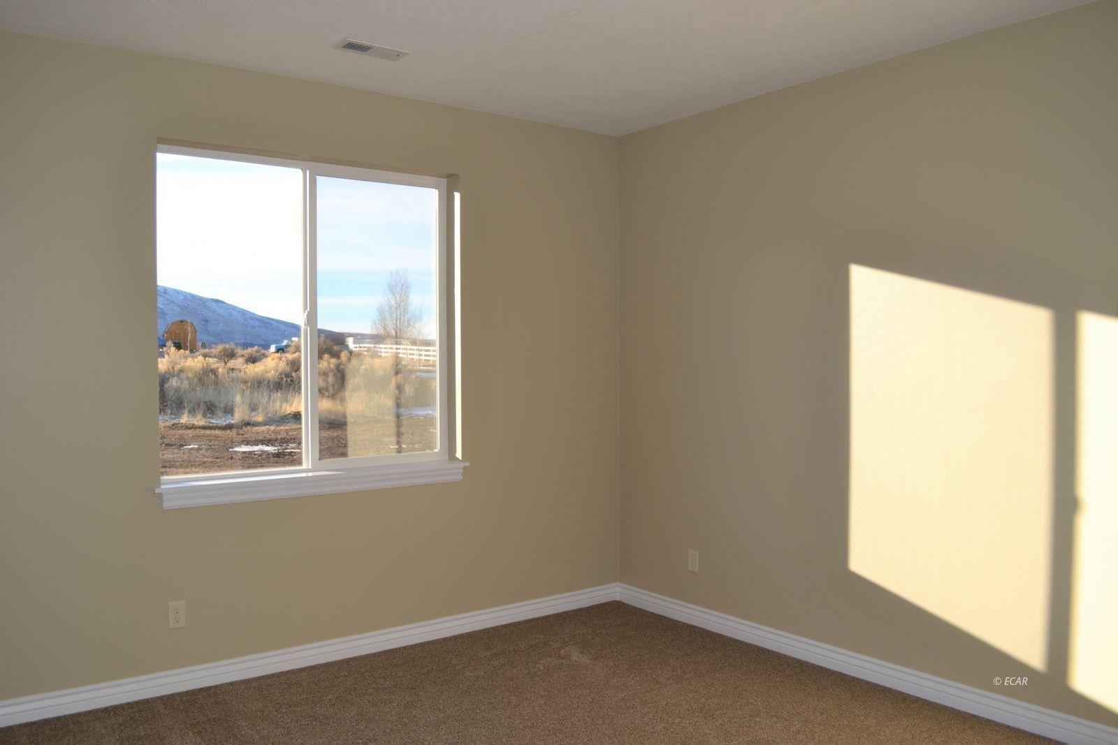 1014 Amber Way Property Photo 33