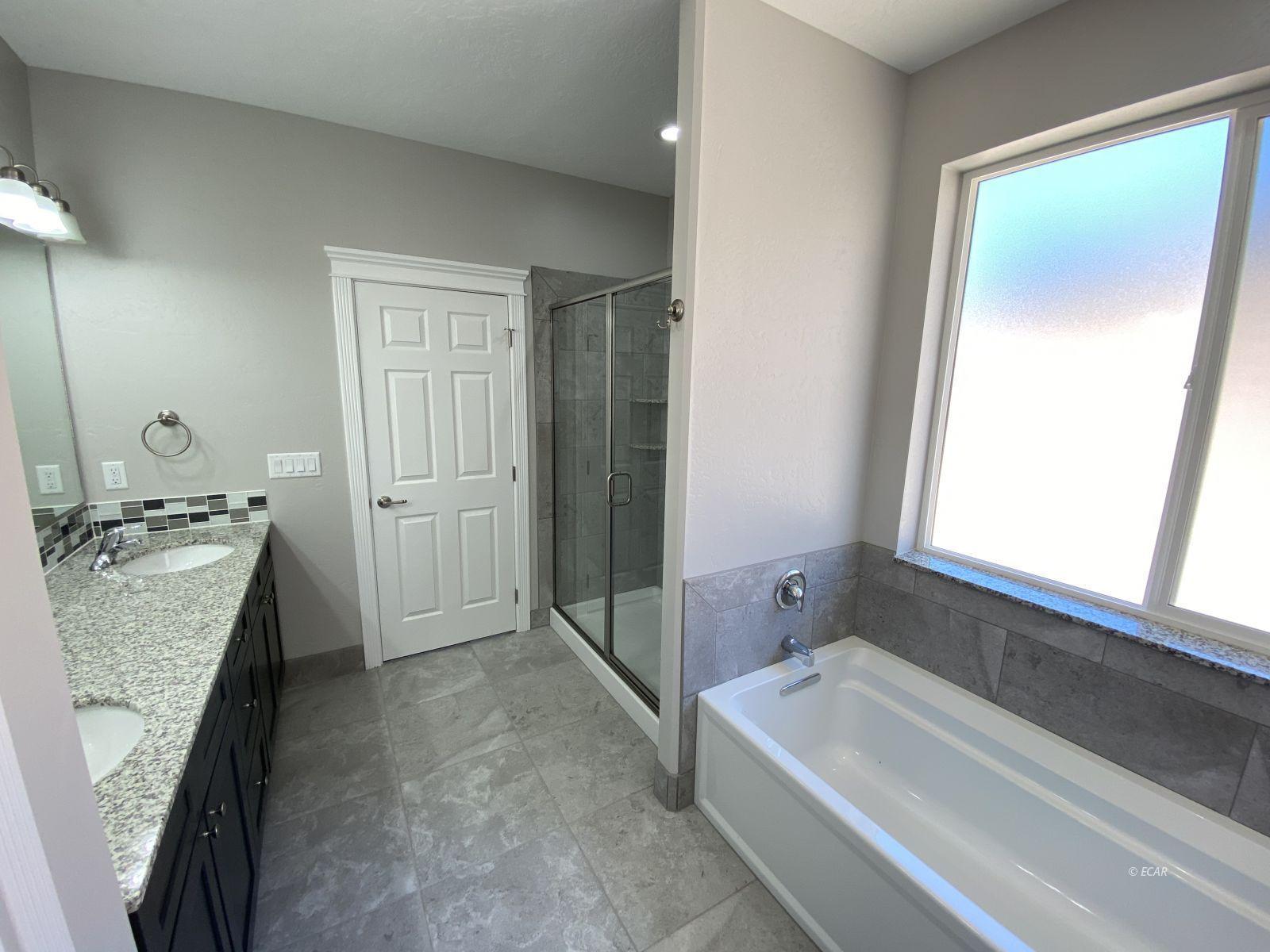 1075 Amber Way Property Photo 23