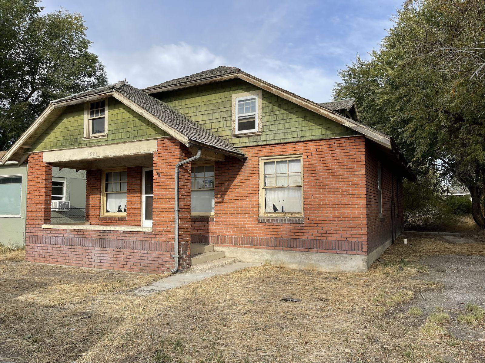 1521 Lake Avenue Property Photo 3