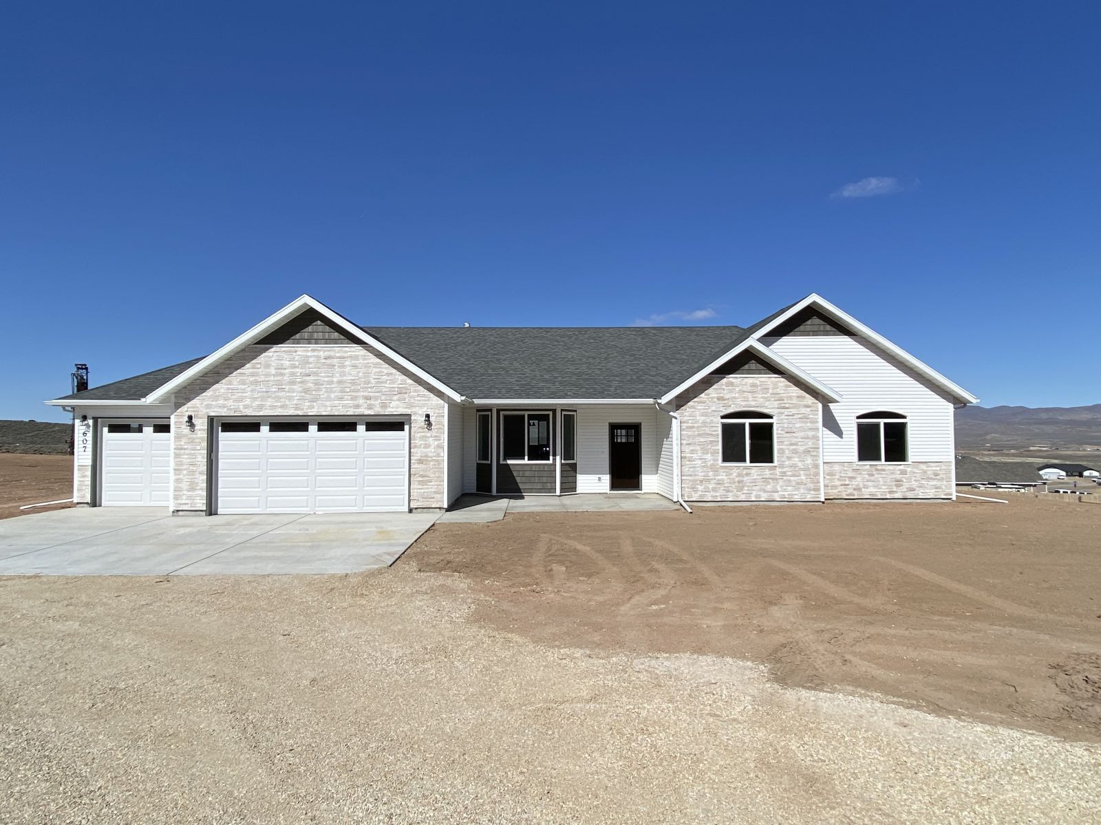 2955 Sagecrest Drive Property Photo 1