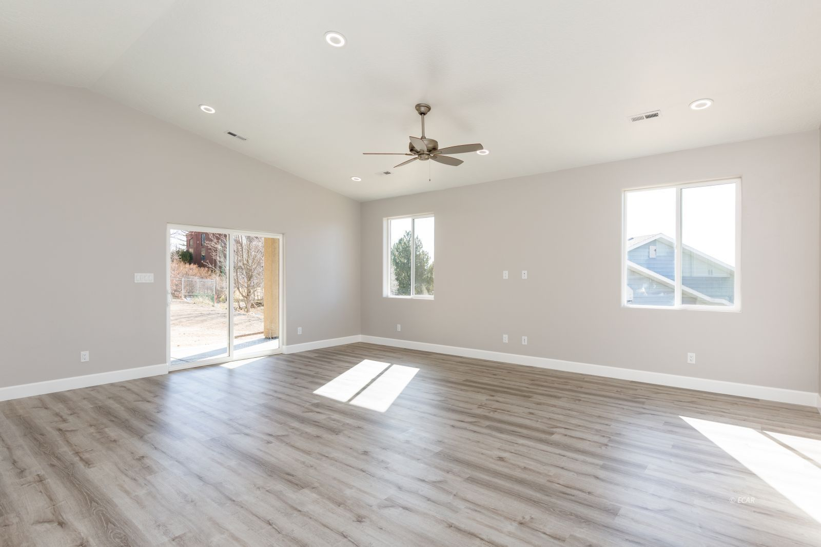 2746 Starley Circle Property Photo 4