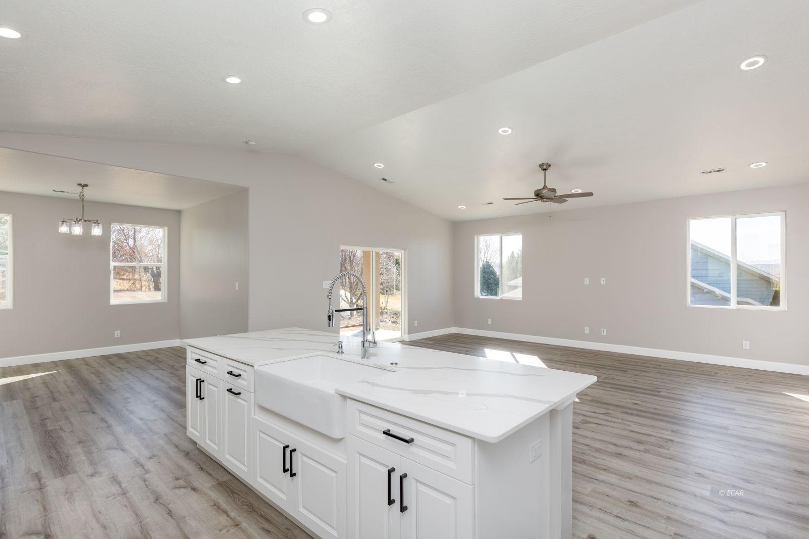 2746 Starley Circle Property Photo 13