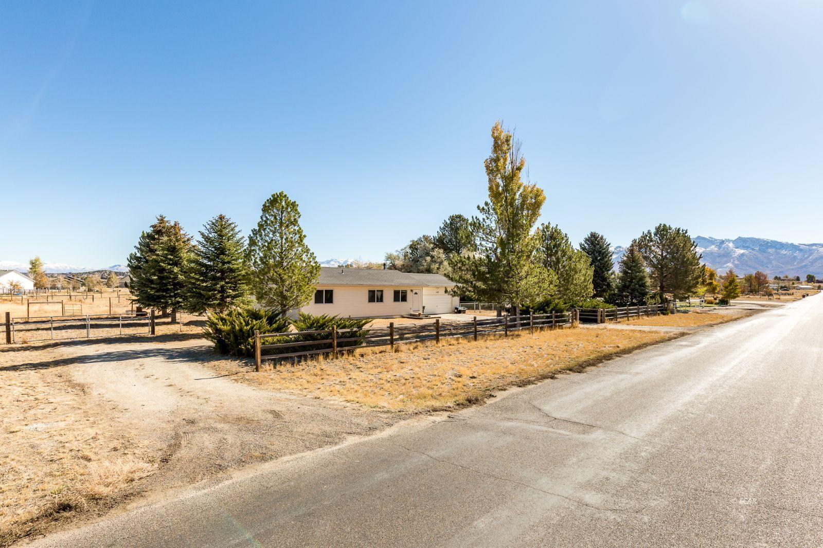 440 Lawndale Drive Property Photo 1