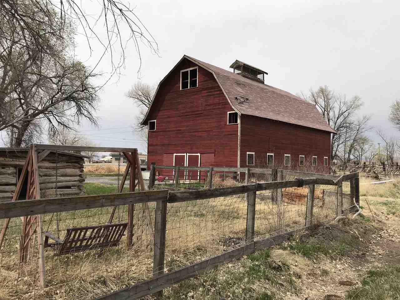 924 19 Road Property Photo 1