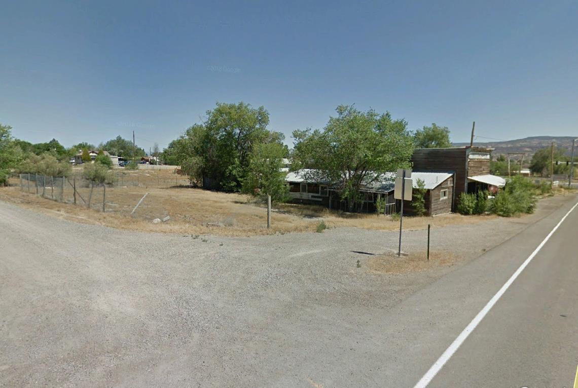 1328 13 Road Property Photo