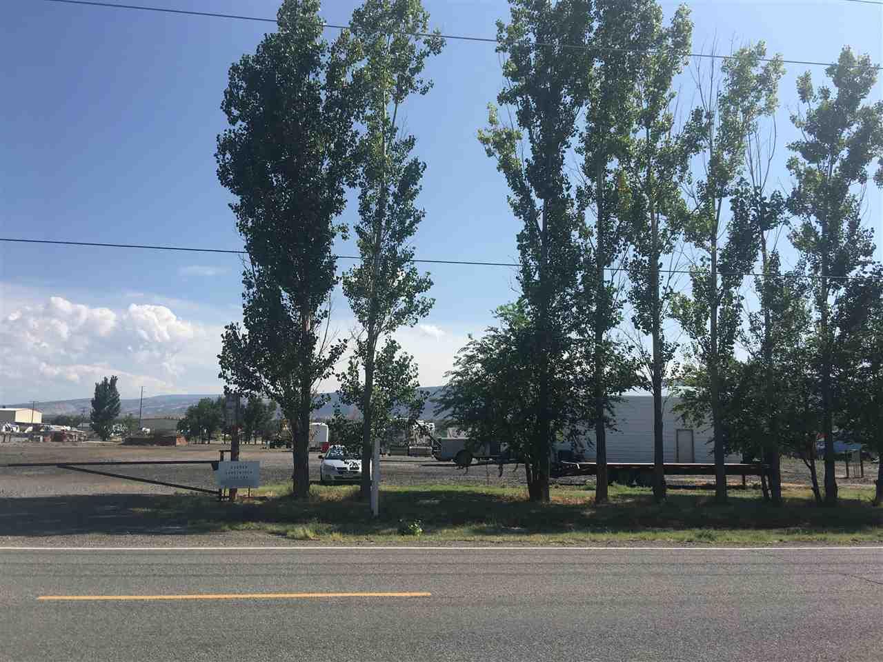 2135 H Road Property Photo 1
