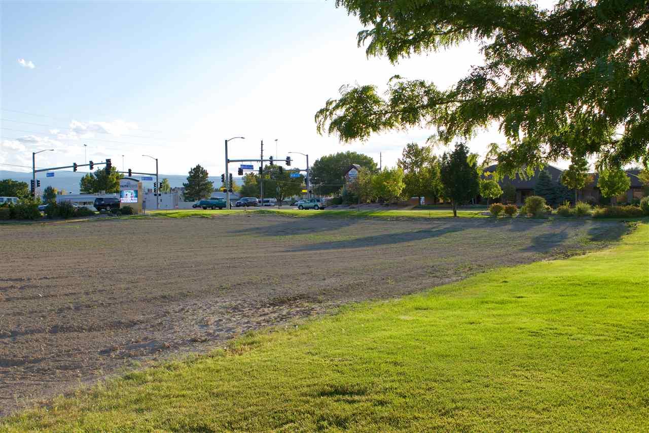 600 28 1/4 Road Property Photo 17