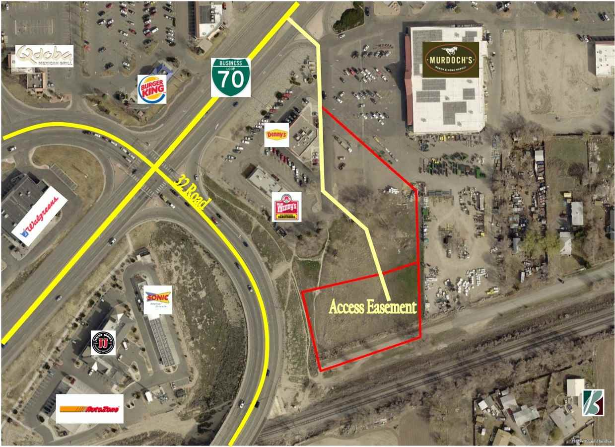 3215 I-70 Business Loop Property Photo