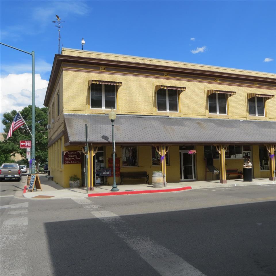 305 Main Street #1 Property Photo