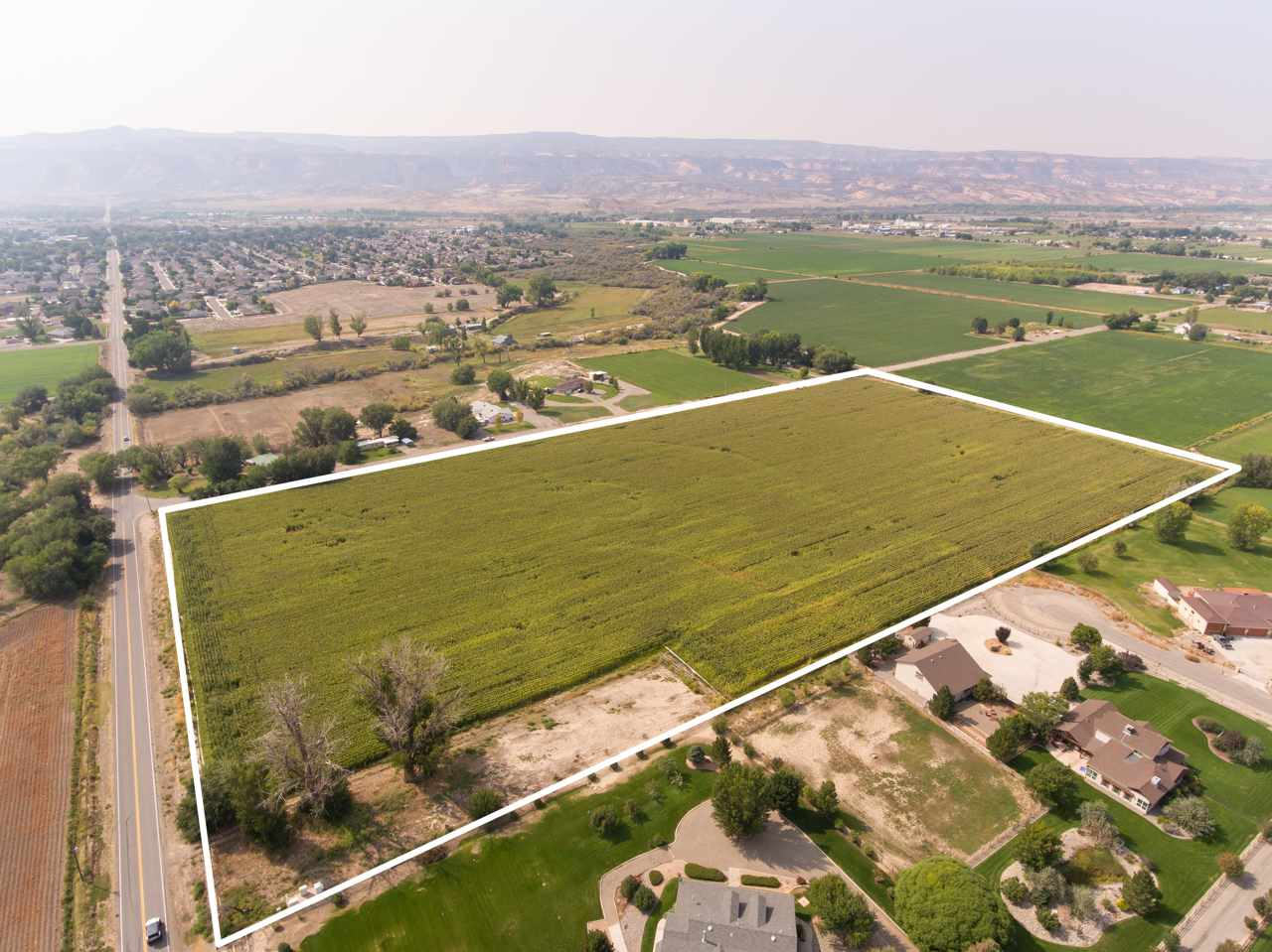 1218 La Mesa Lane Property Photo