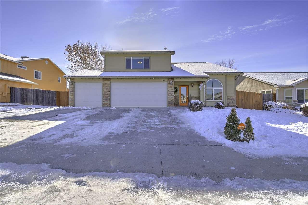312 W Applewood Drive Property Photo