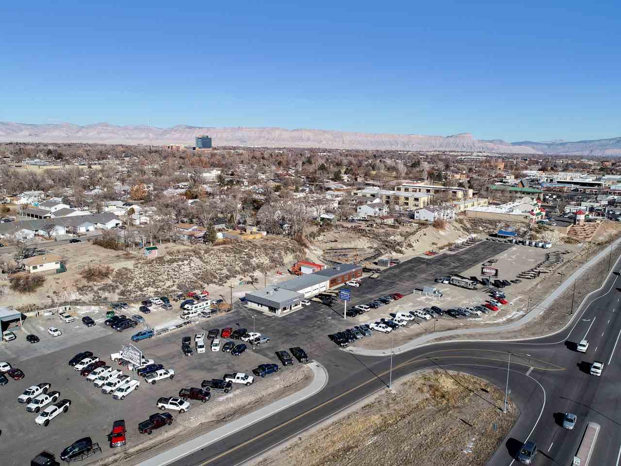 2586 Highway 6&50 Property Photo 4