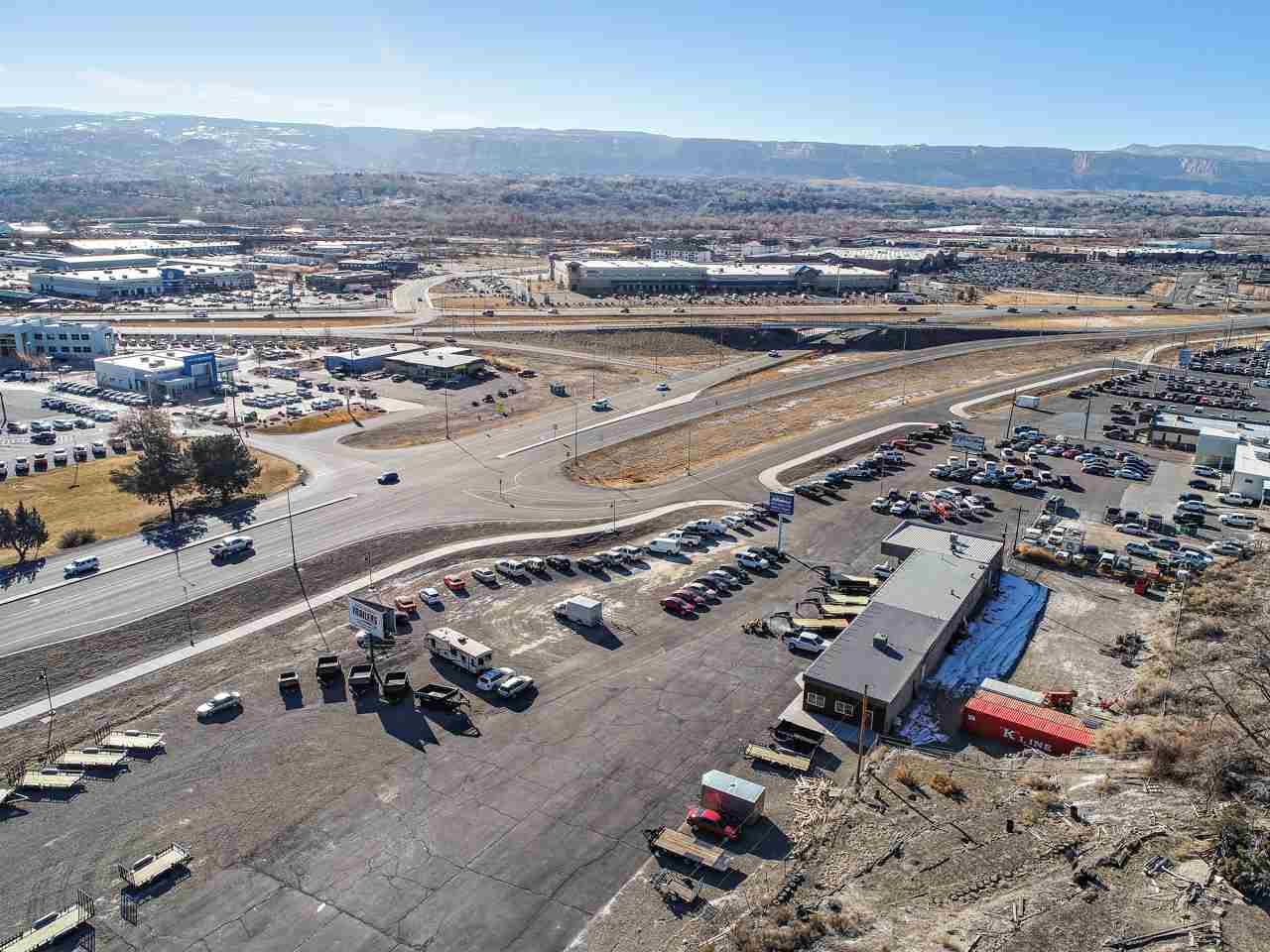2586 Highway 6&50 Property Photo 9