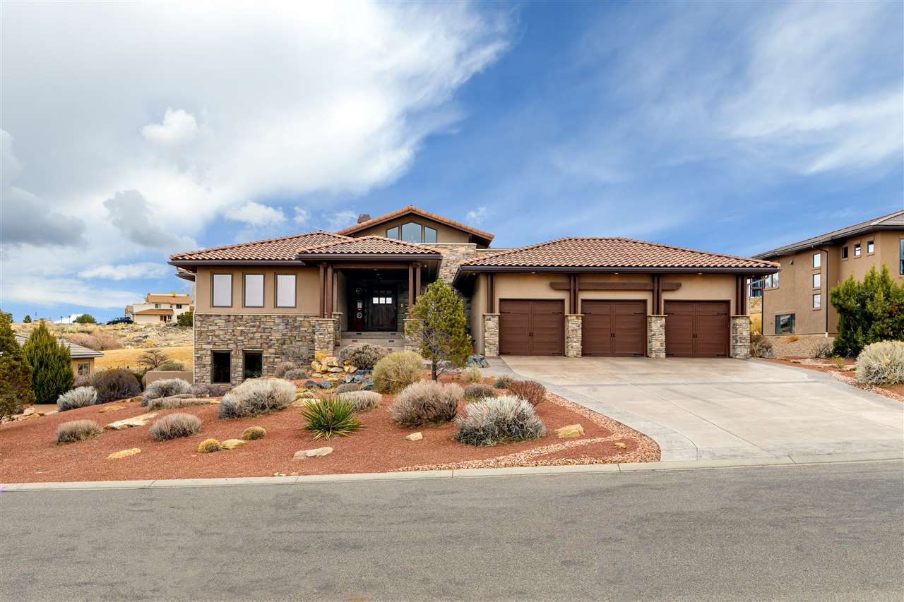 370 High Desert Road Property Photo 1