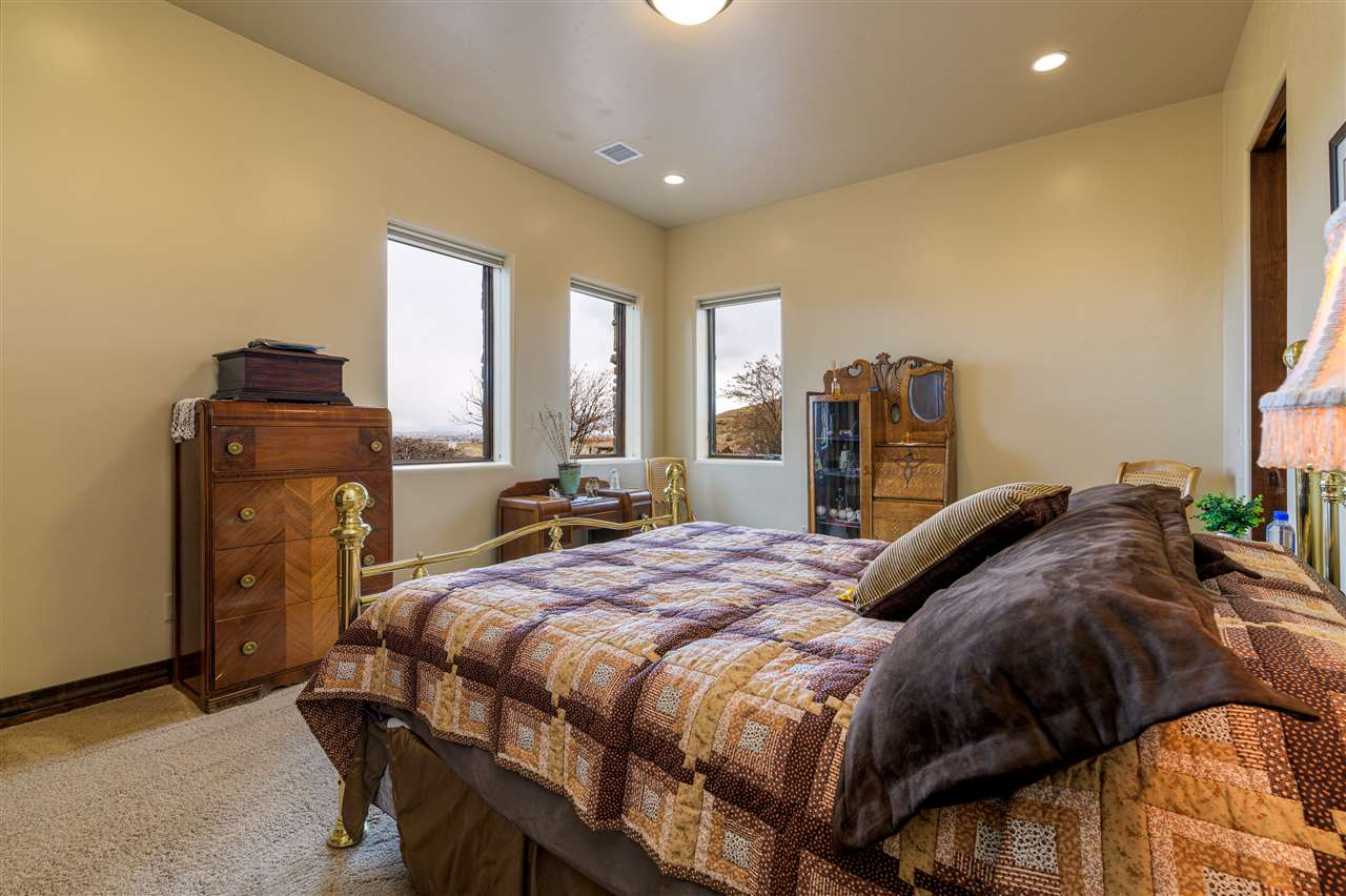 370 High Desert Road Property Photo 30