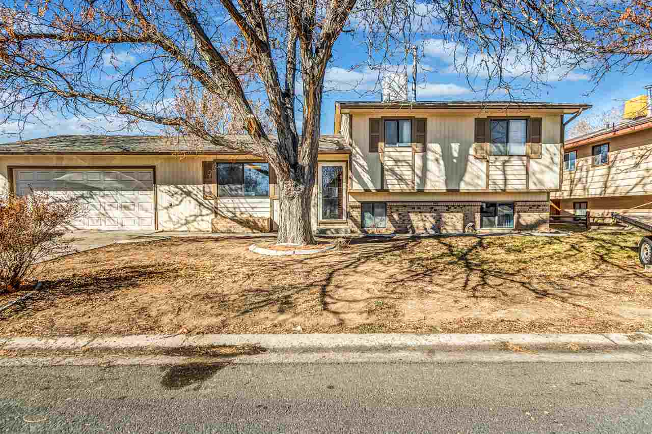 273 Arlington Drive Property Photo