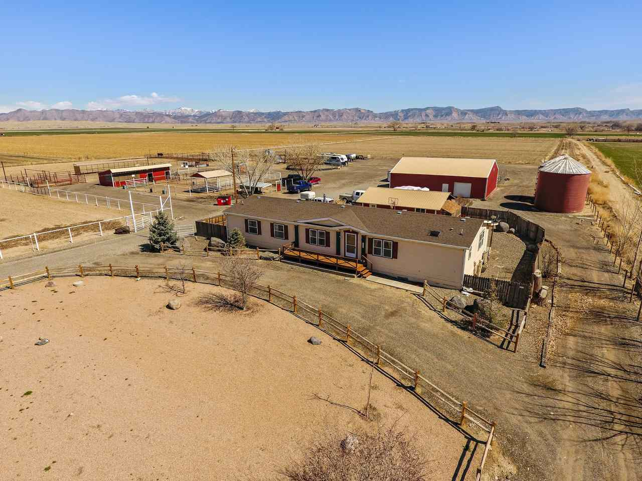 1622 16 Road Property Photo - Loma, CO real estate listing