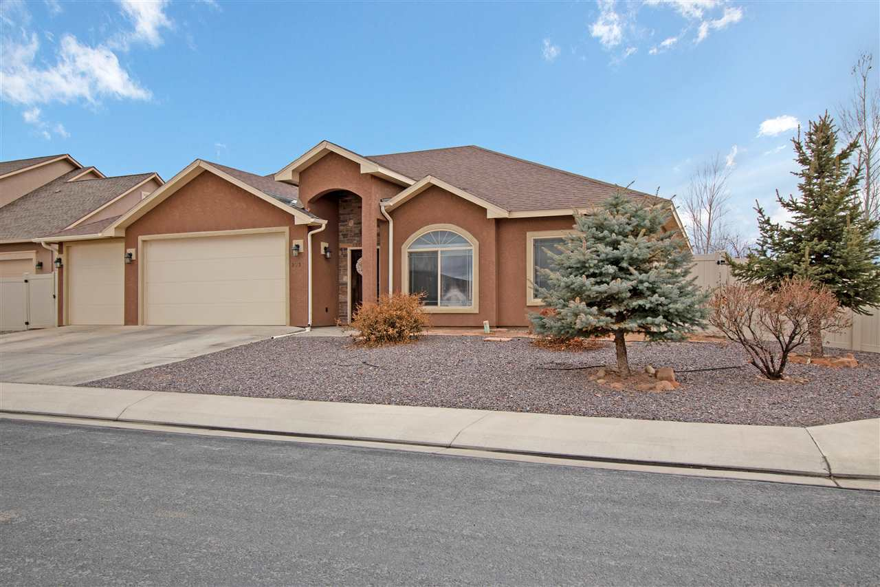 2935 River Bend Court Property Photo - Grand Junction, CO real estate listing