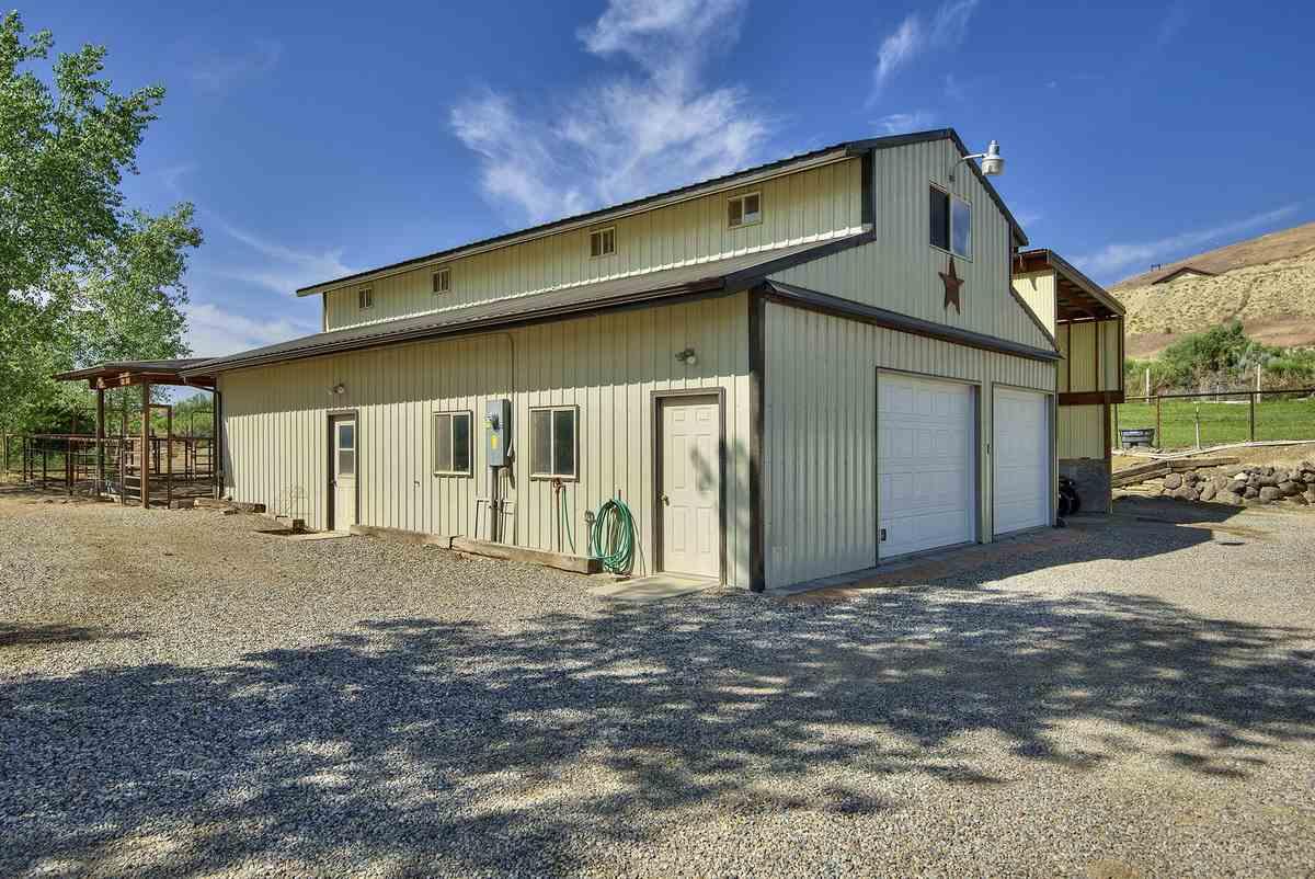3575 E Road Property Photo 35