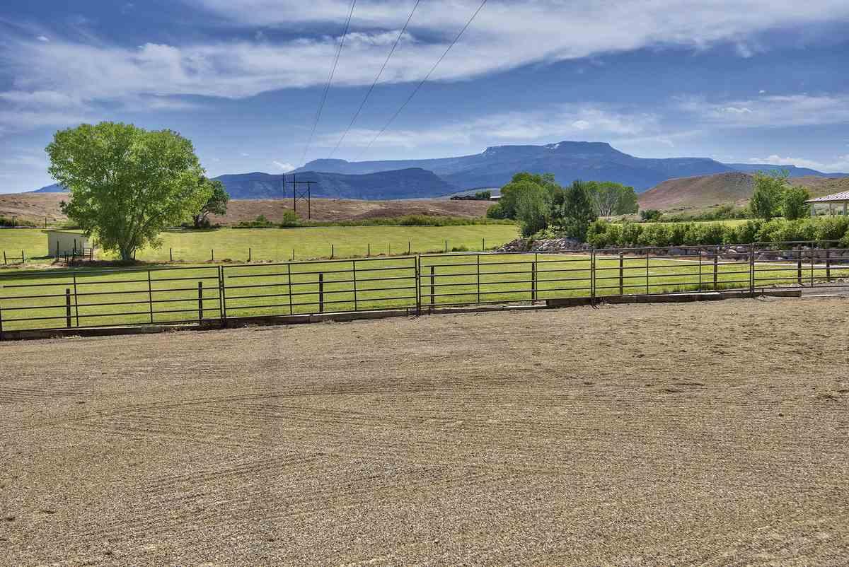 3575 E Road Property Photo 41