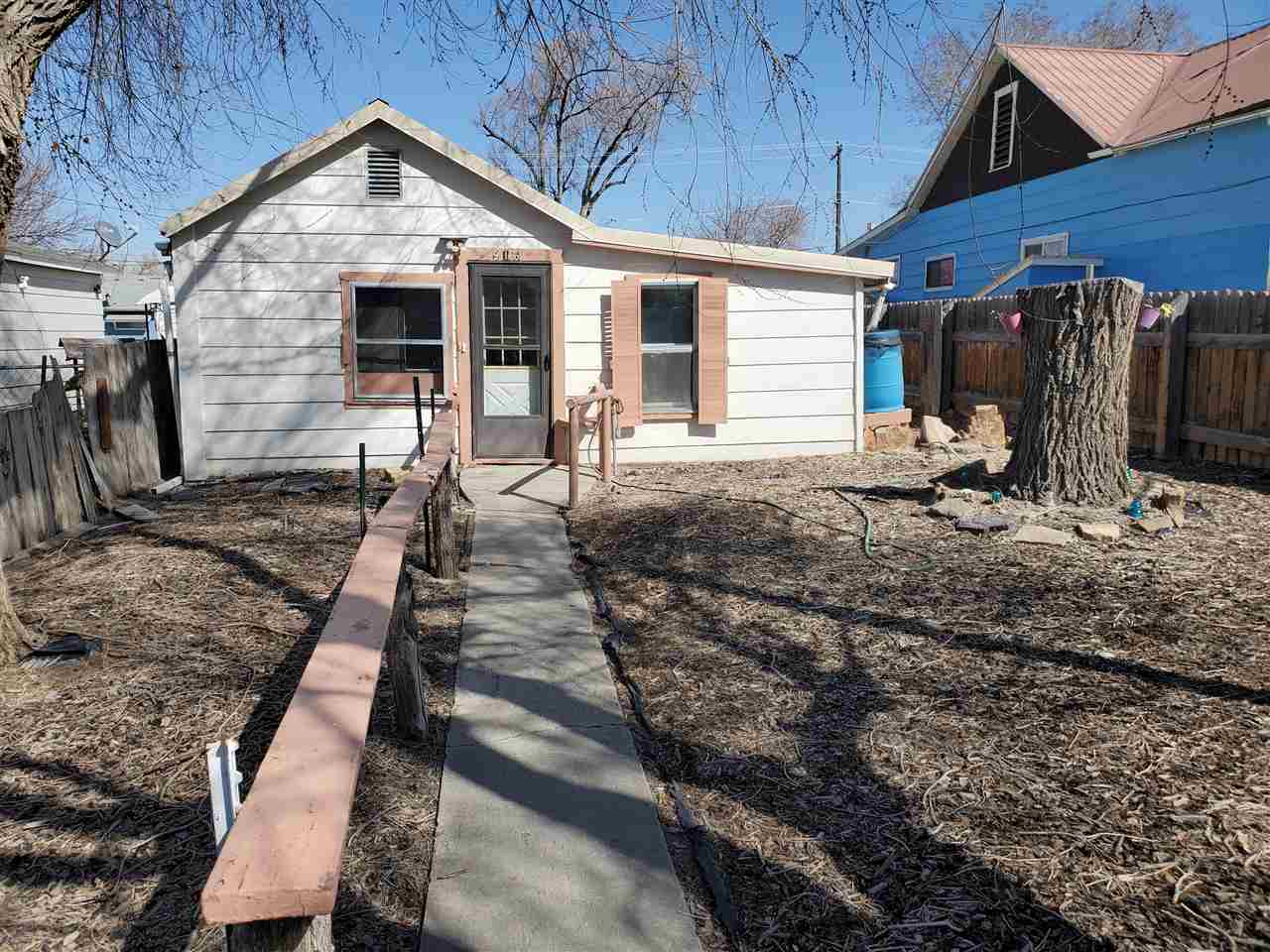 916 Dodge Street Property Photo