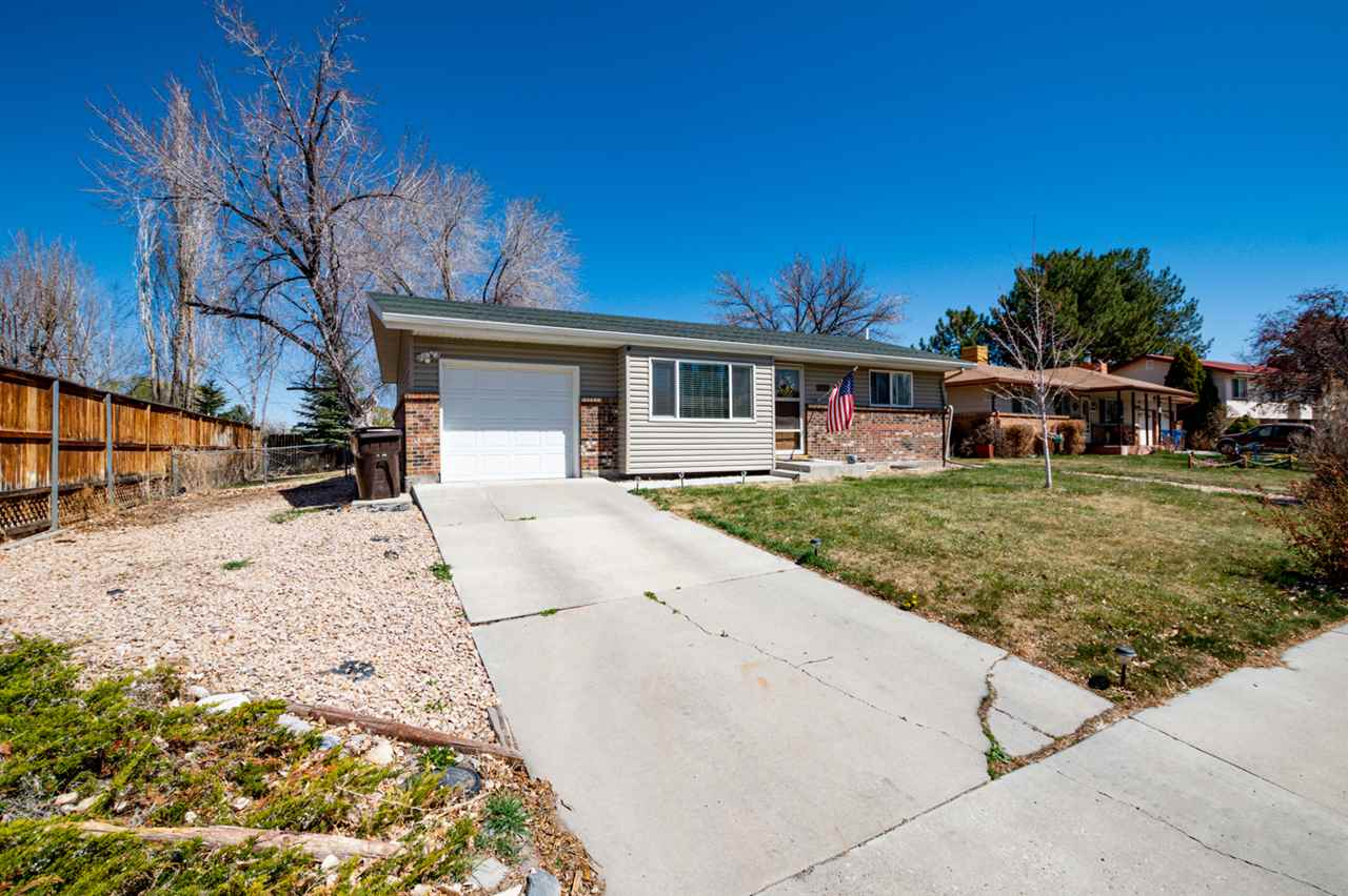 2253 Essex Court Property Photo - Montrose, CO real estate listing