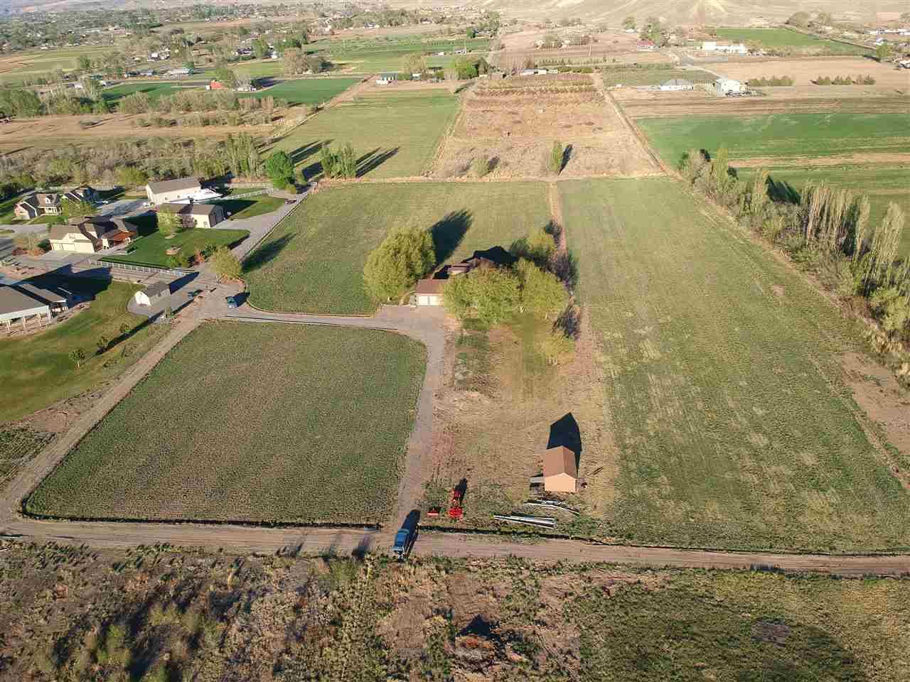 225 Meeka Court Property Photo