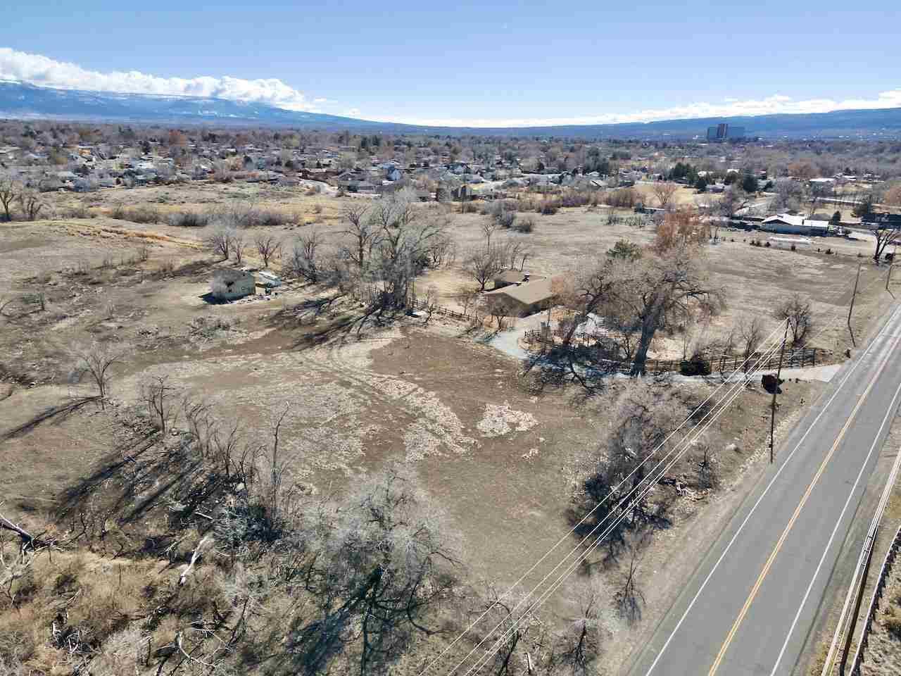 726 26 Road Property Photo 1