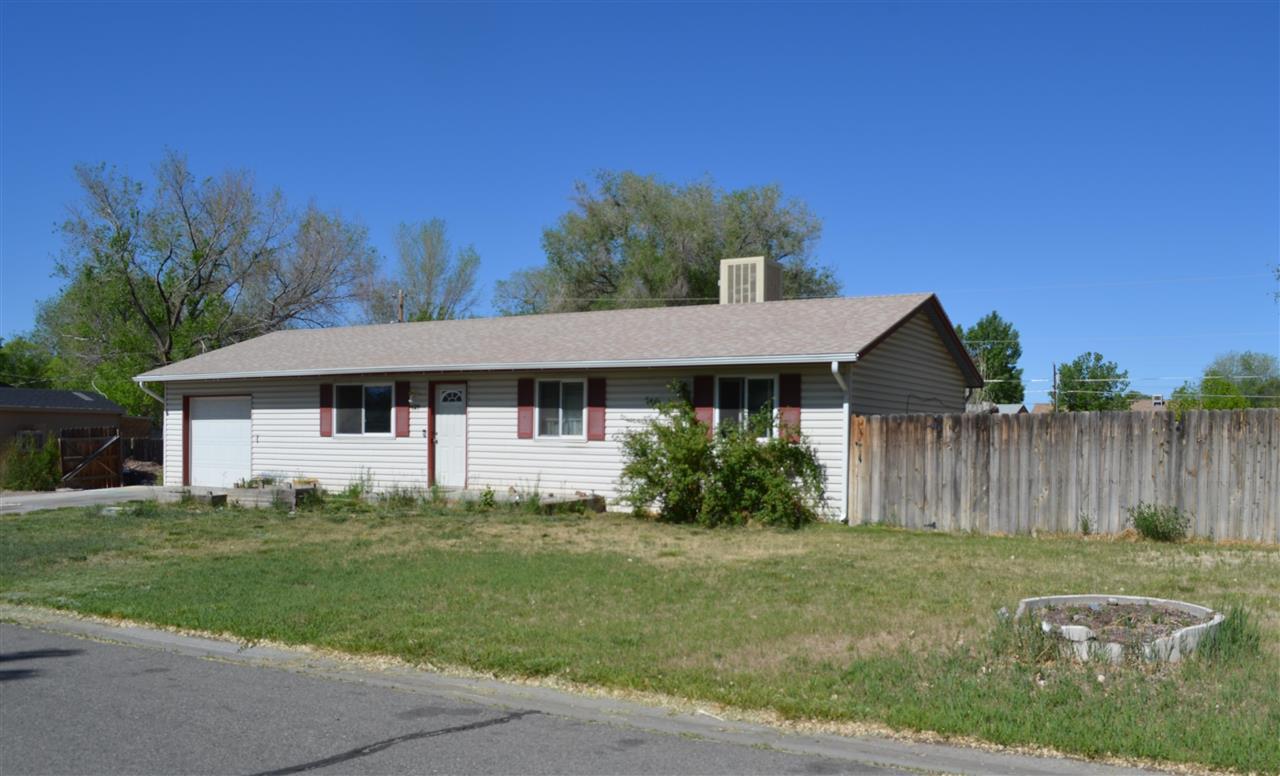629 Middle Ridge Drive Property Photo 1