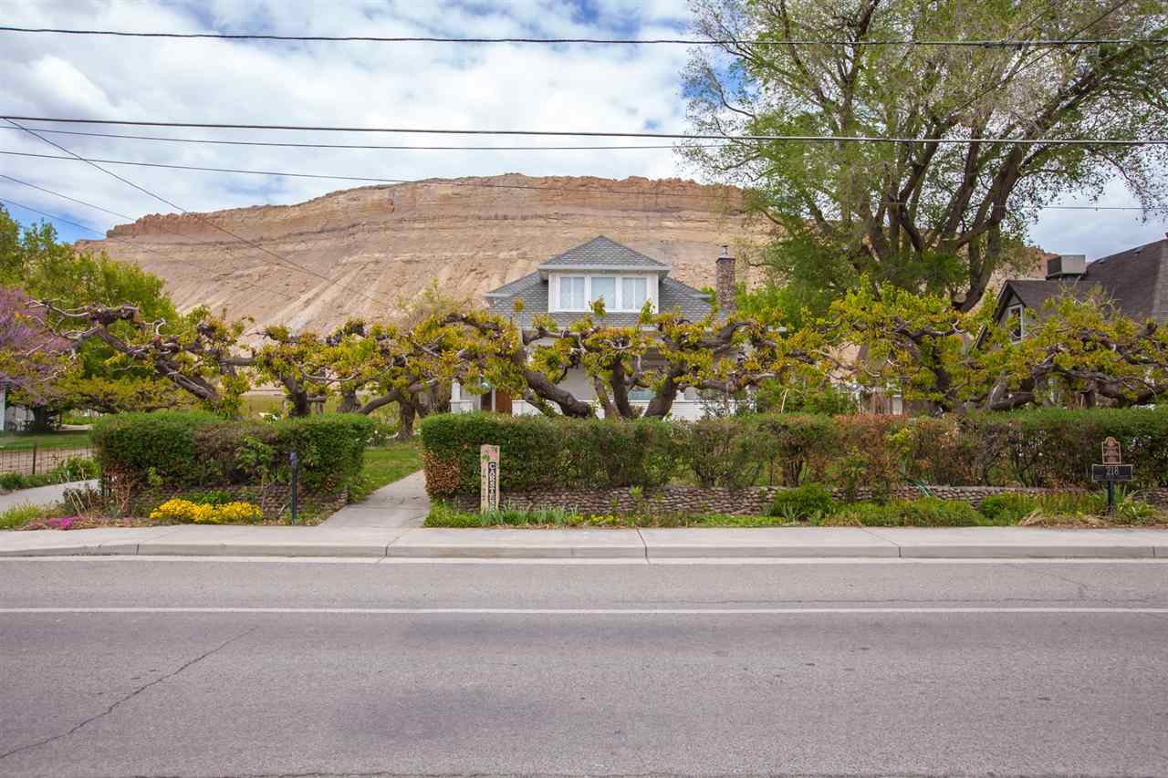 218 W 1st Street Property Photo