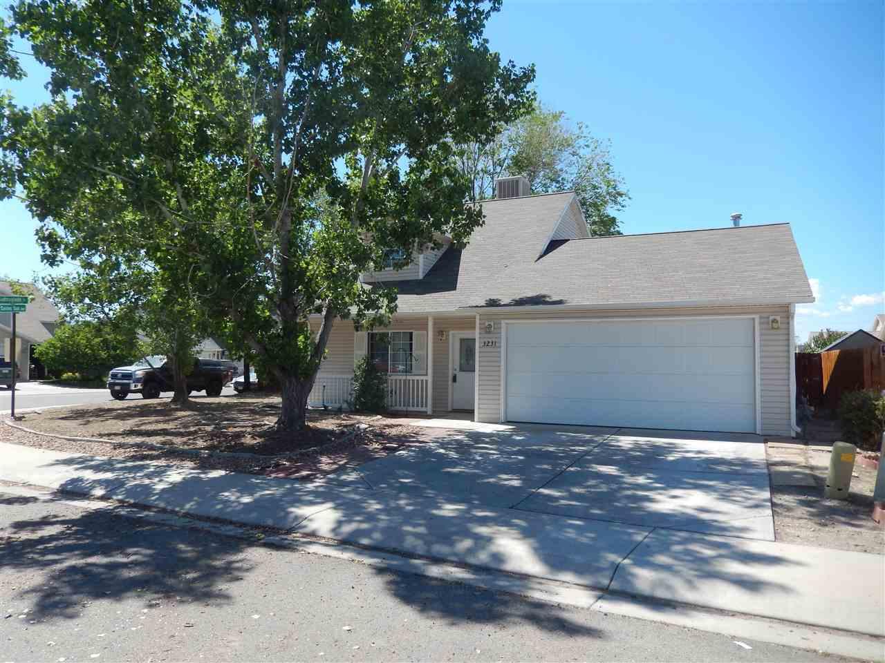 3231 Golden Sun Avenue Property Photo 1