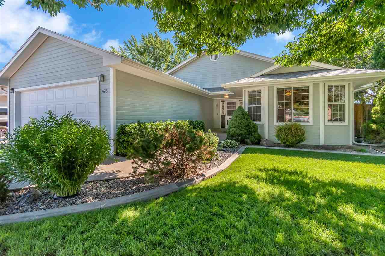 476 Green Acres Street Property Photo 1