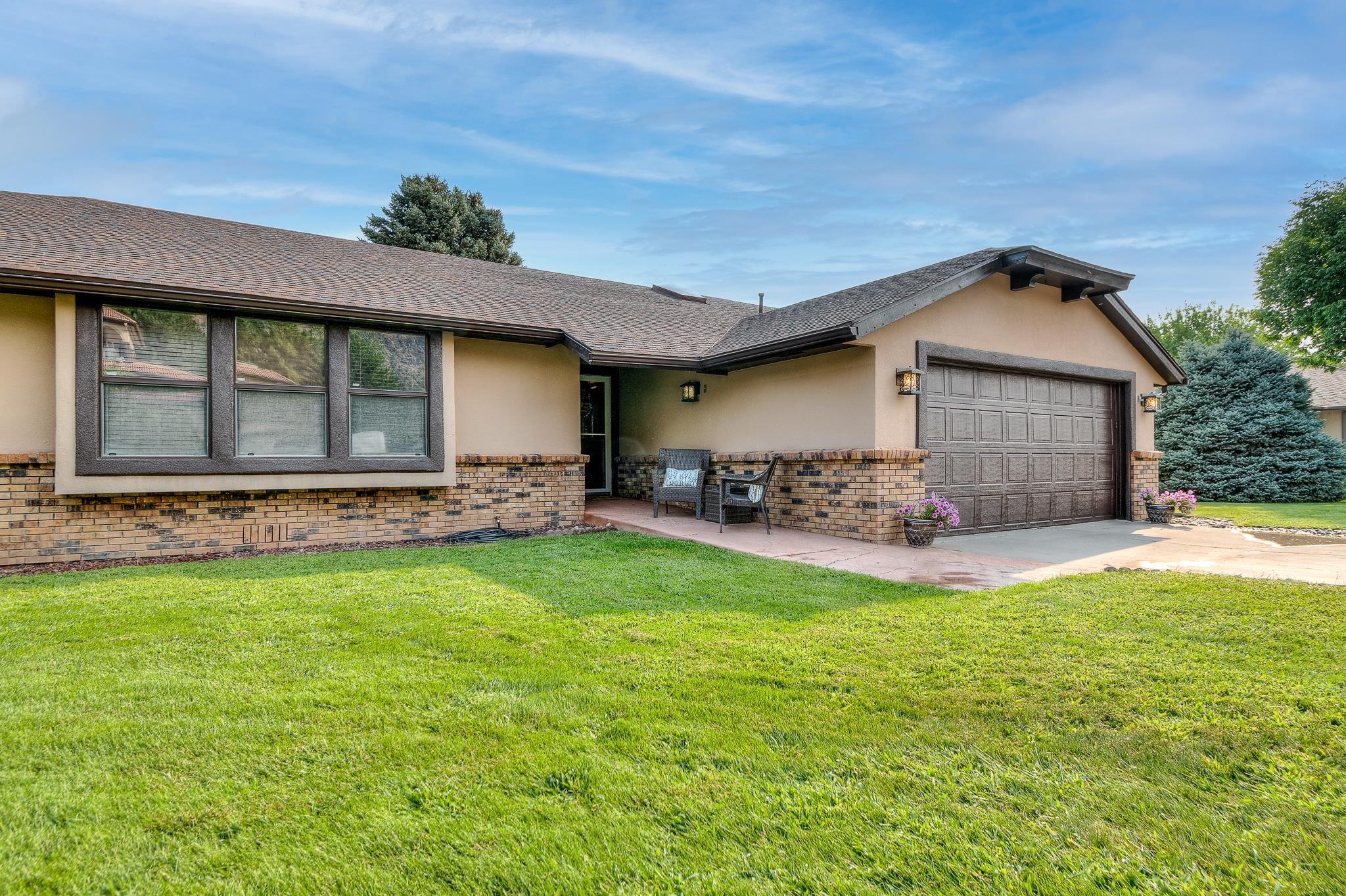 468 Tiara Drive Property Photo 2