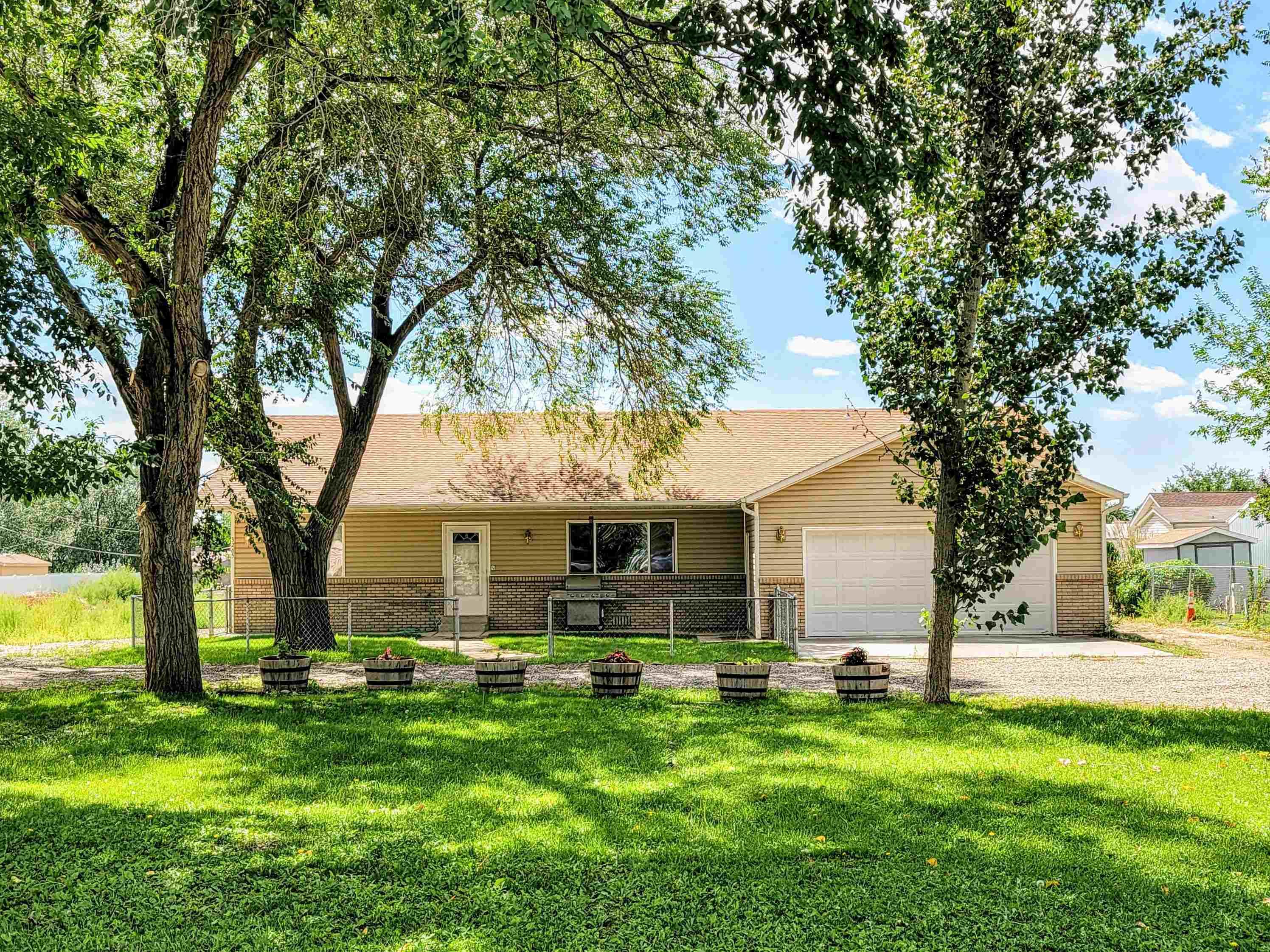 3265 E Road Property Photo