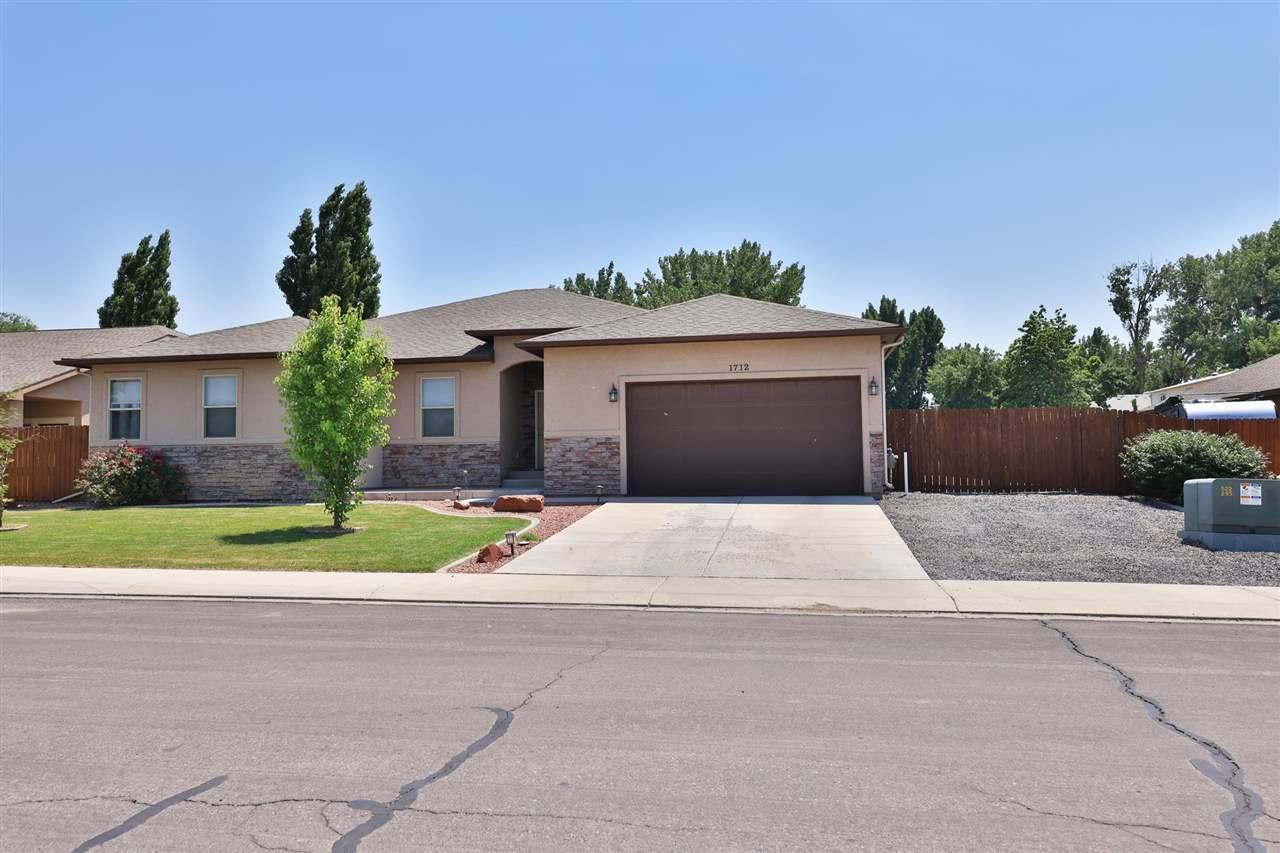 1712 Powis Lane Property Photo 1