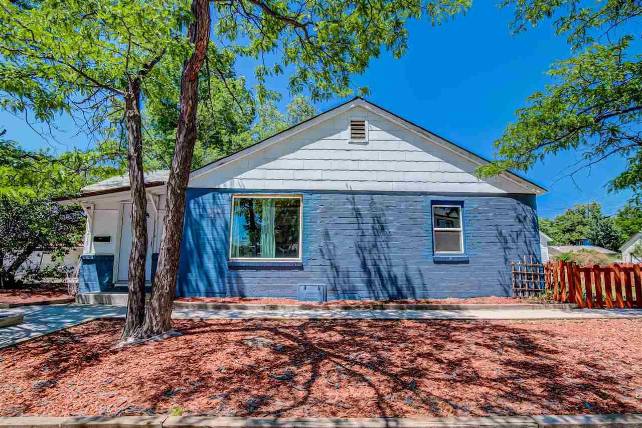 215 E 7th Street Property Photo