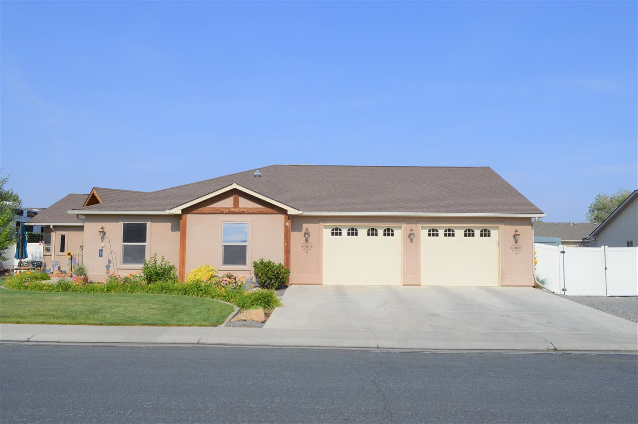 187 Winter Hawk Drive Property Photo 1