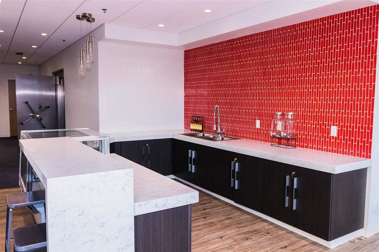 2755 North Avenue Property Photo 8