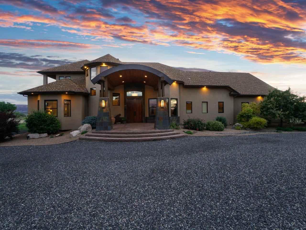 988 Kestrel Court Property Photo 1