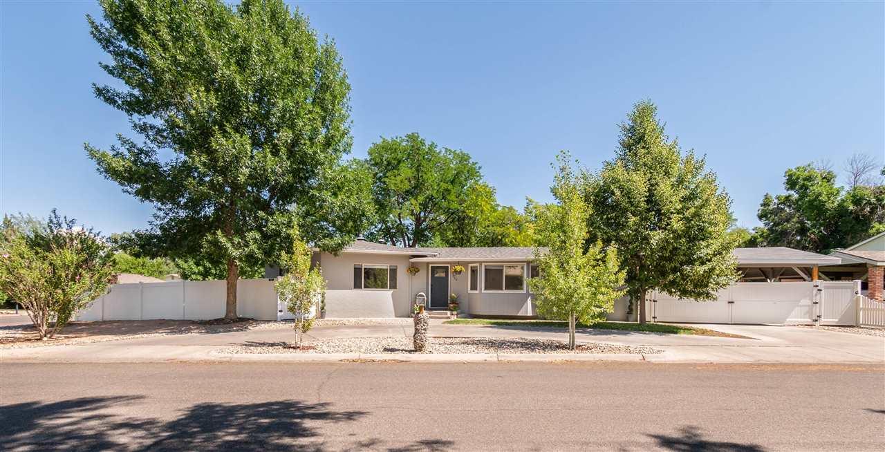 330 Ridgewood Lane Property Photo