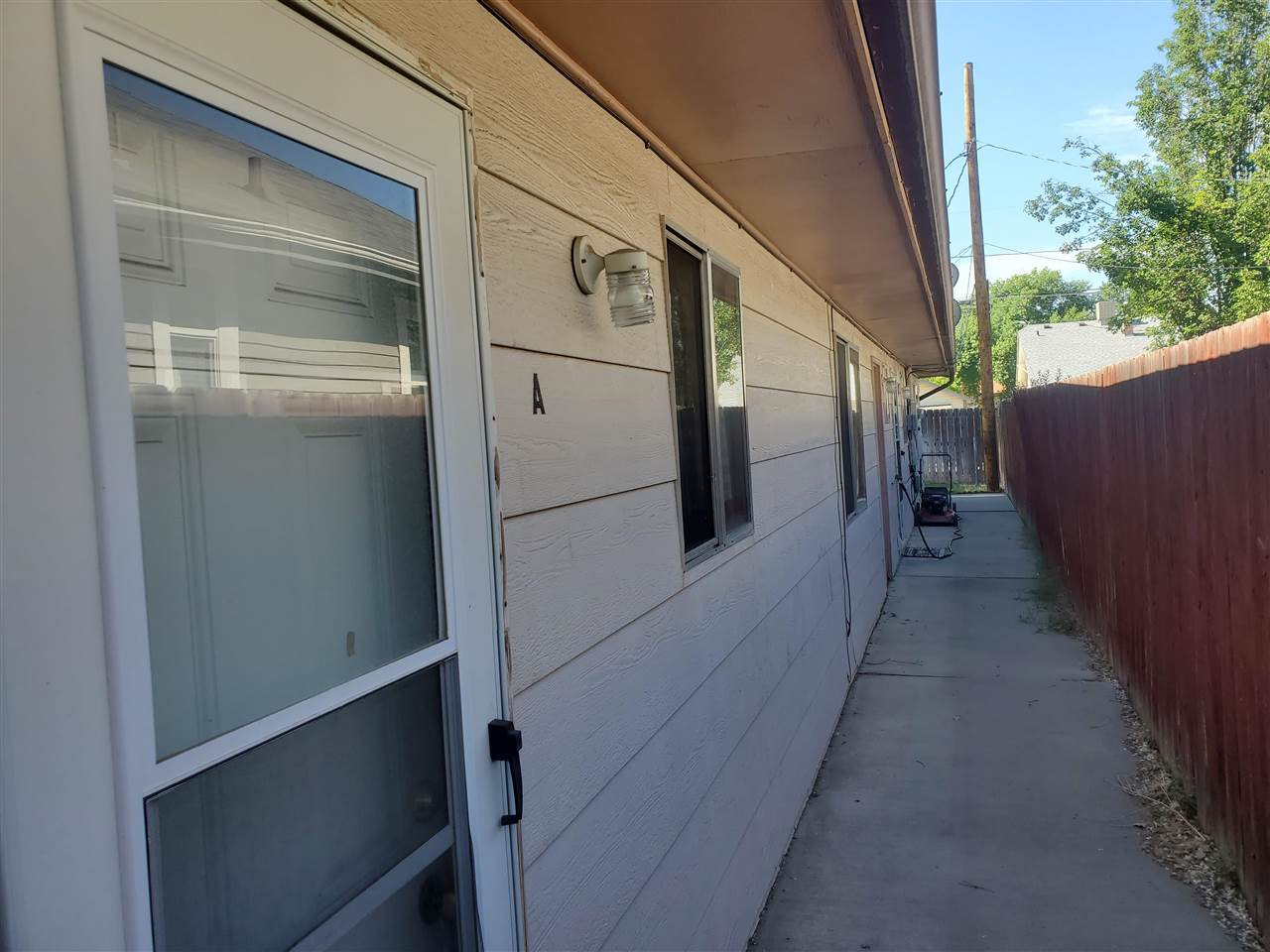 819 Teller Avenue Property Photo 8