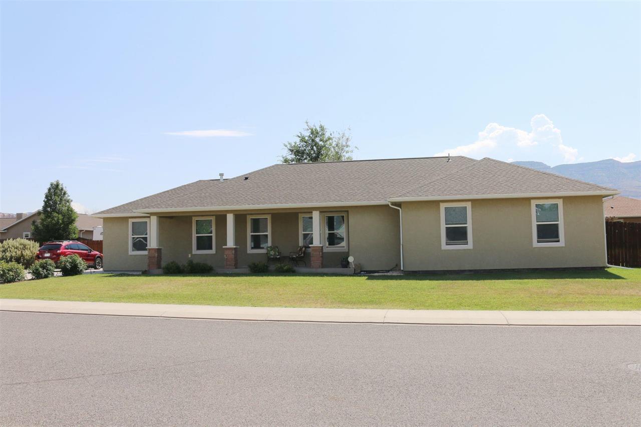 843 Vineyard Avenue Property Photo