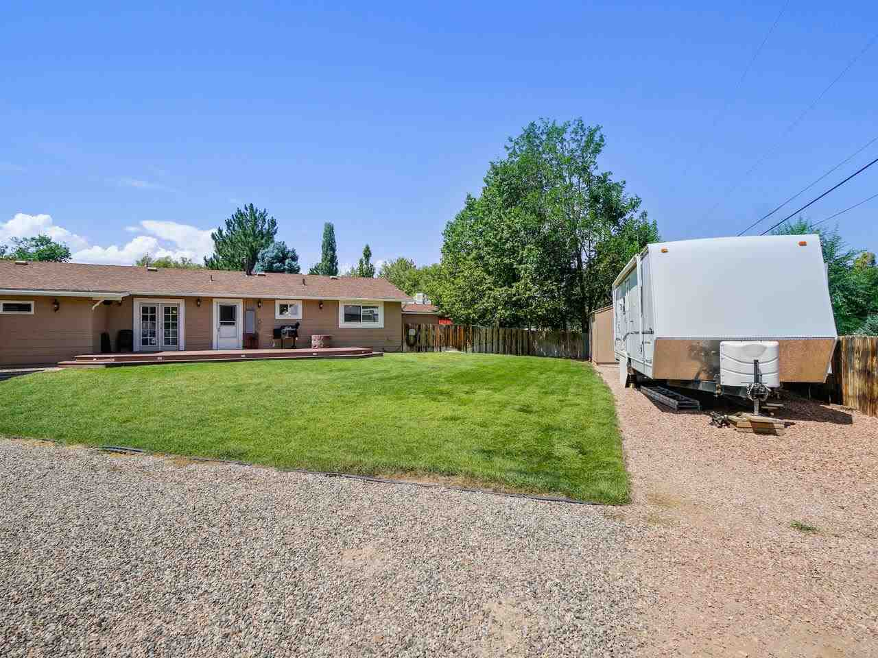 2332 E Alcove Drive Property Photo 8
